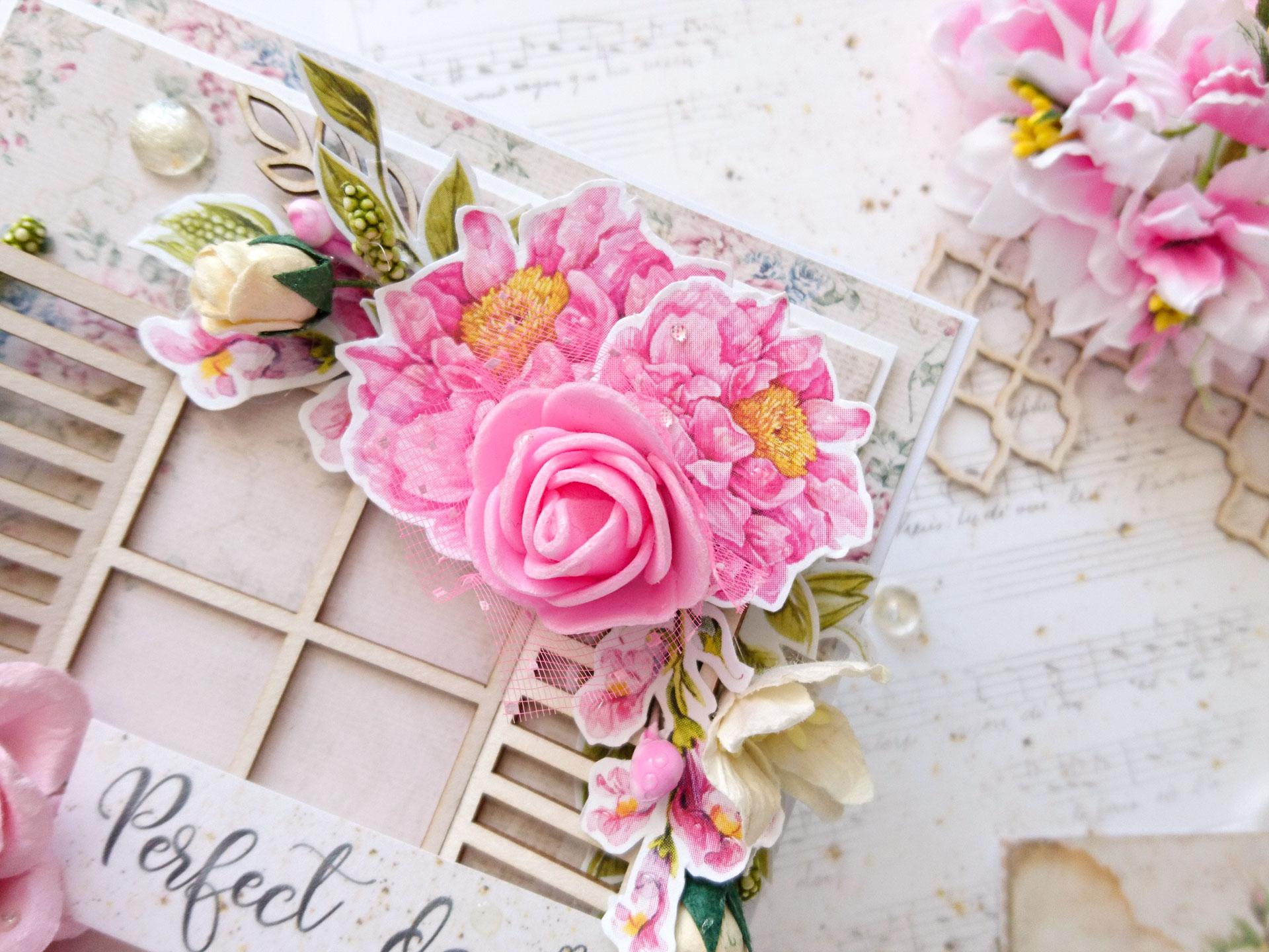 kartka z kwiatami w różu